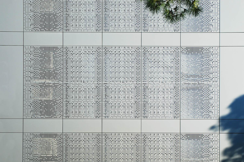 Esterno, particolare facciata nord Luciano Schiavon