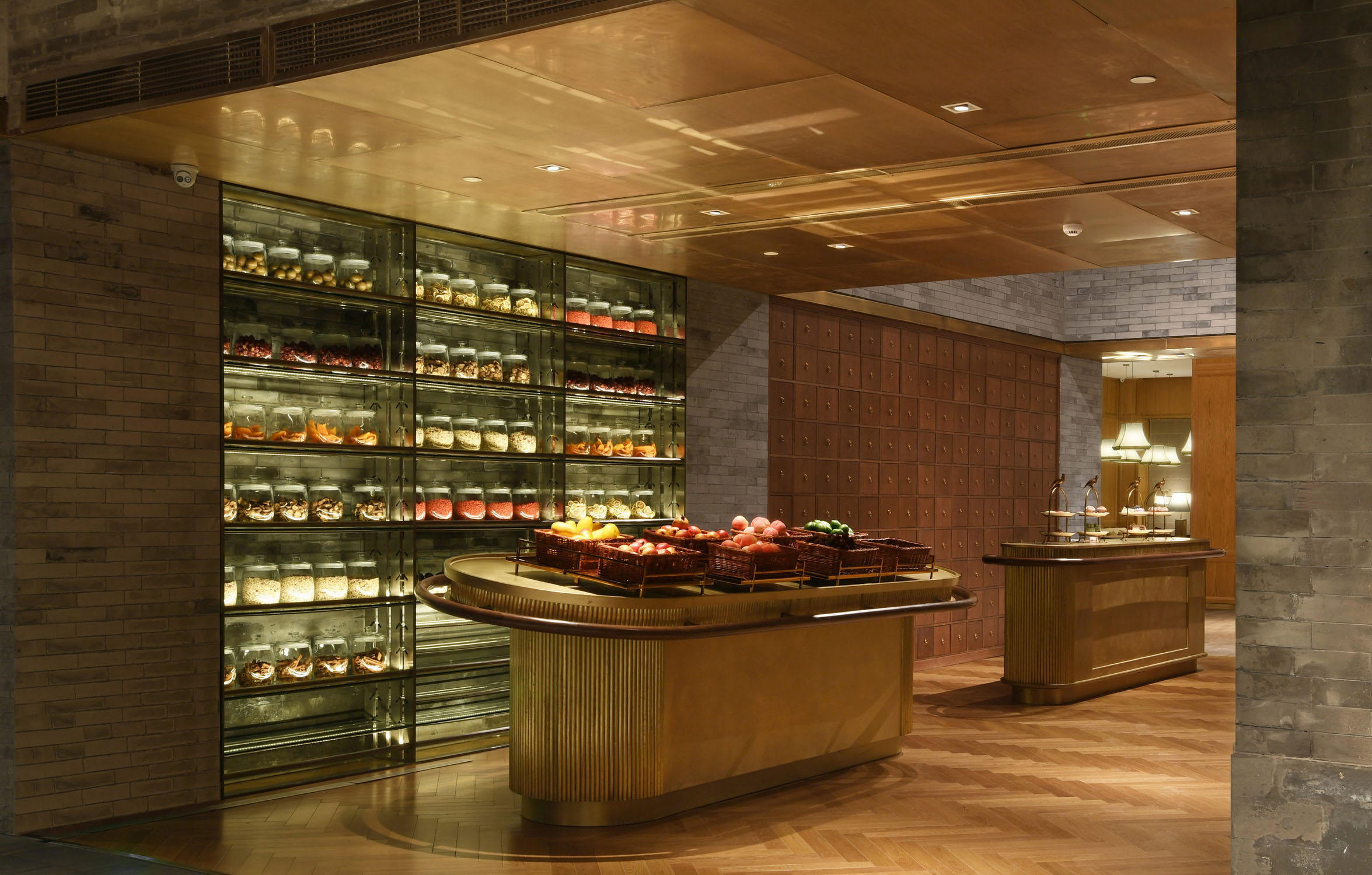 The display of the food and fruit stimulates the appetite at the entrance of the restaurant. Felix Zhenhua Luo
