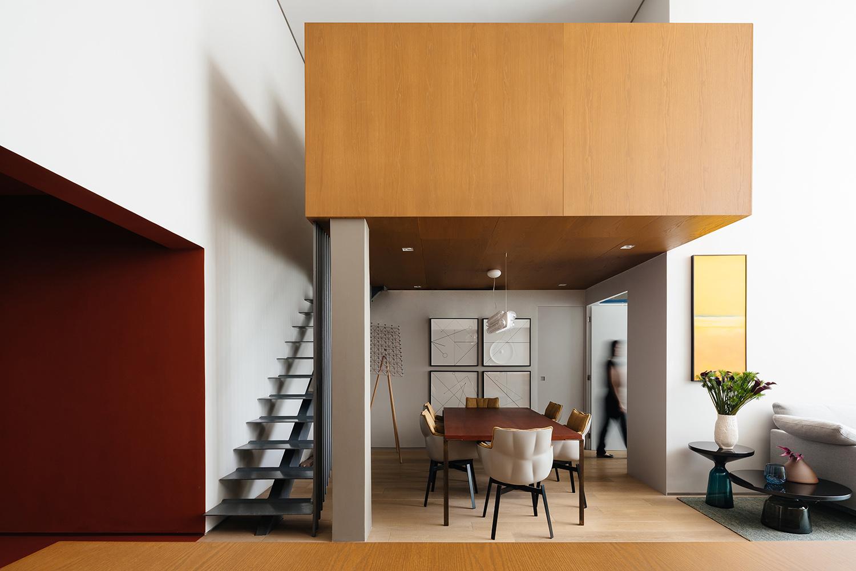 Dining room and mezzanine Pedro Kok
