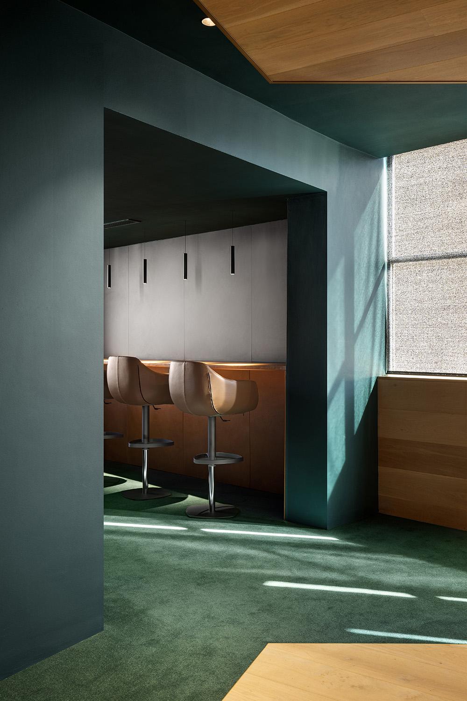 Non-linear corridor - Bar Adam Letch
