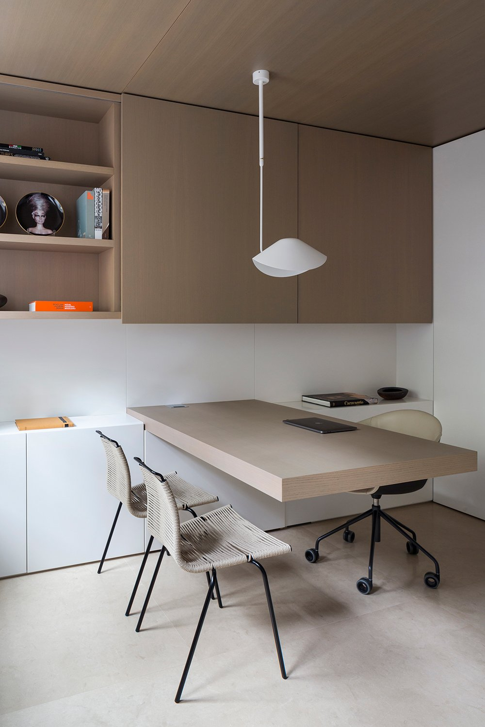 On the ground floor, the office is located right next to the entrance. Filippo Bamberghi