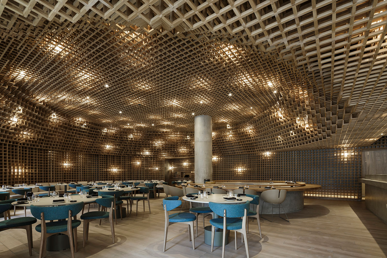 Through the use of materiality, lighting, color, and texture, Kosushi puts the user as the center of experience. Filippo Bamberghi