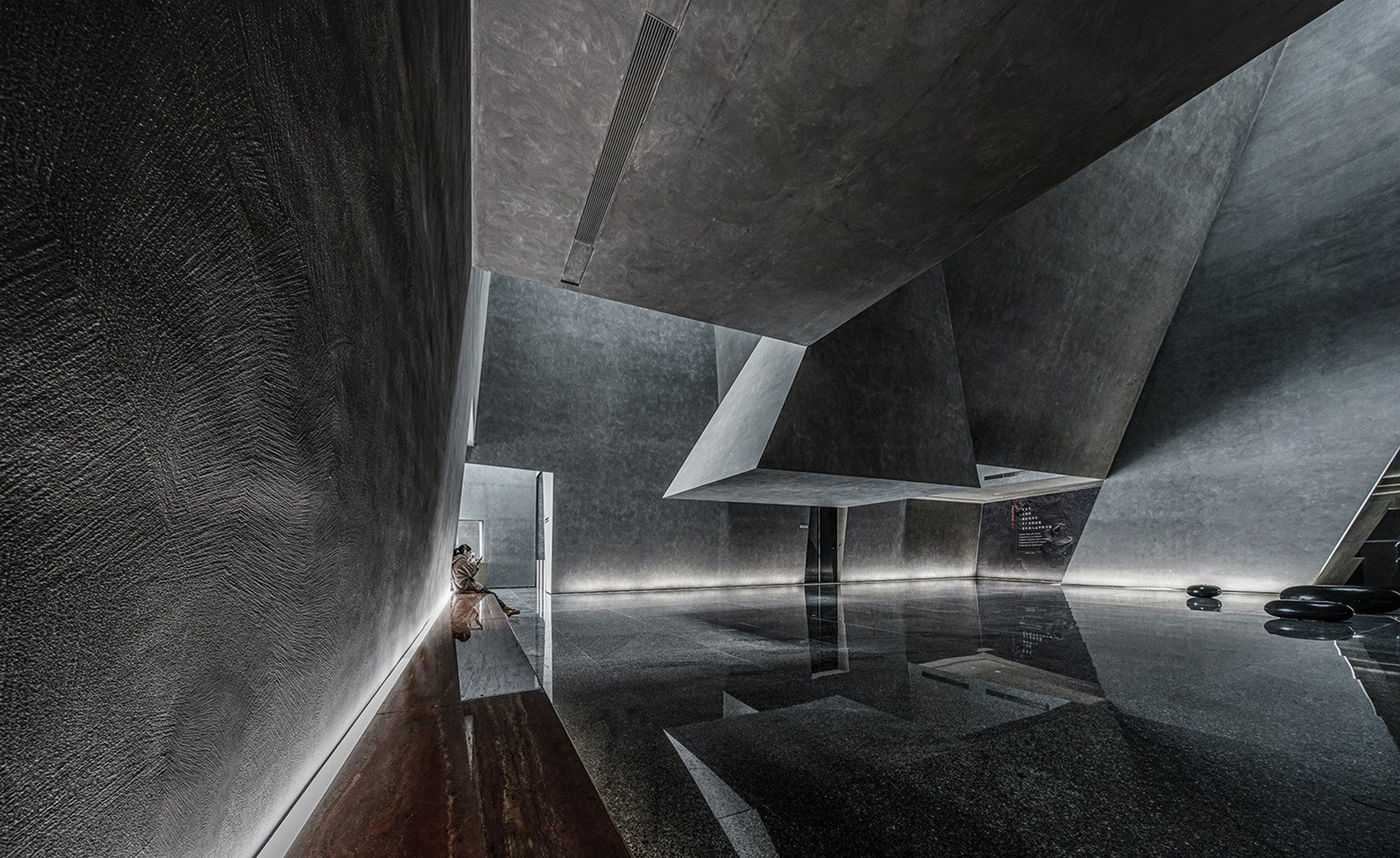 Atrium at the office lobby Atelier Alter Architects
