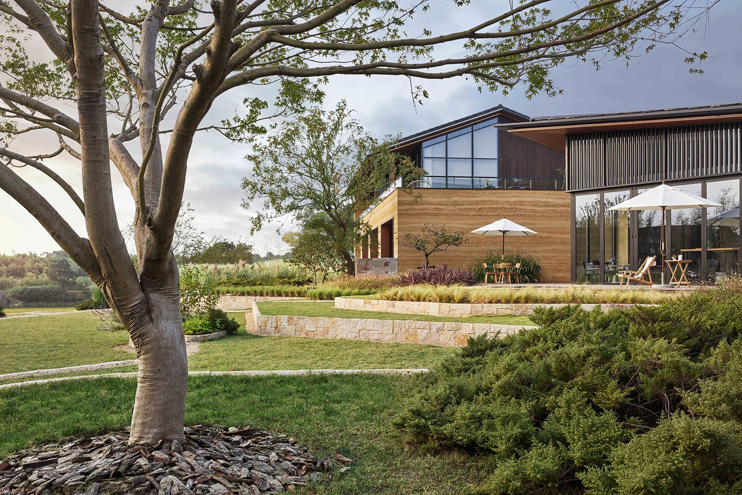 landscape fits with rammed earth building Jianzhi-Arch Photography