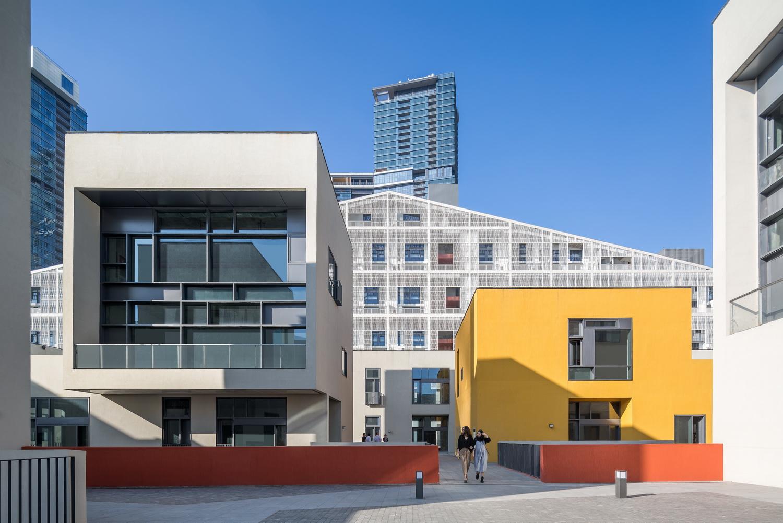 Inner Street facade Photographer: ZtpVision