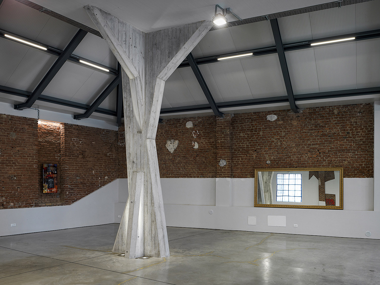 reinforced concrete pillar trees that personalize the storage space Marco Introini