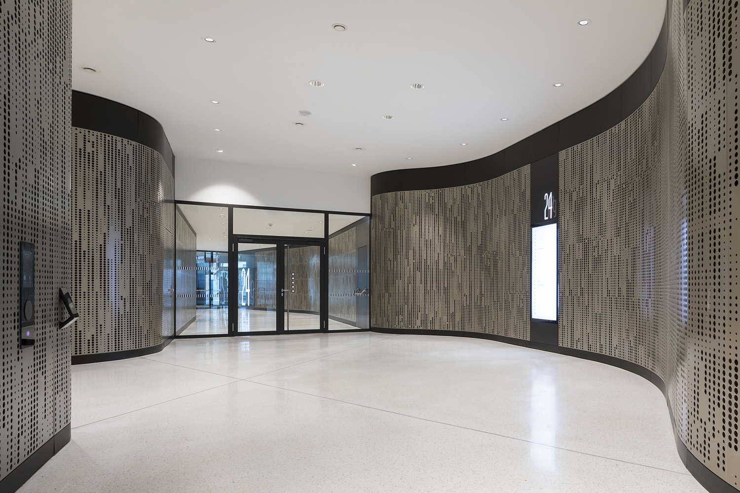 THE ICON Vienna / 11 / entr4ance to the office spaces Rupert Steiner