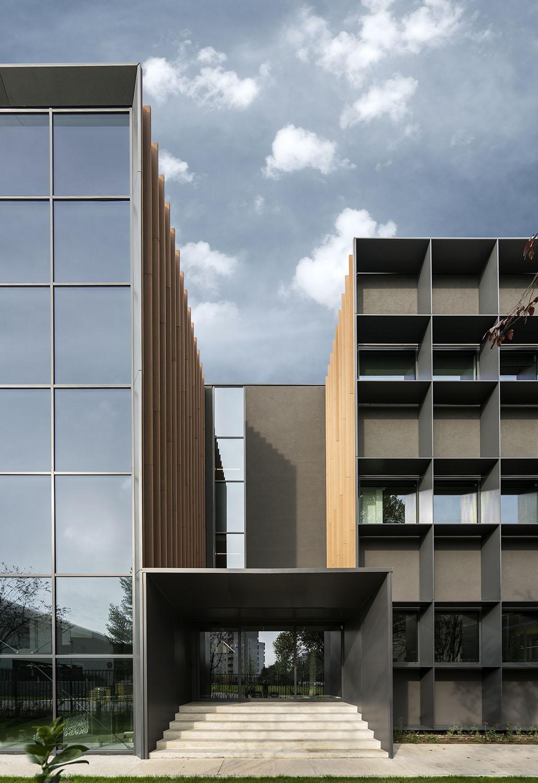 The new facade Ph. Andrea Martiradonna