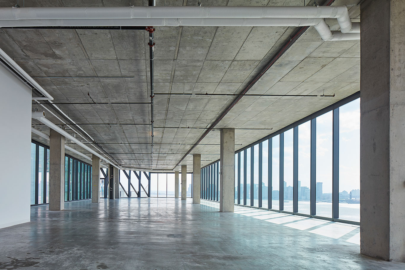 Interior view of a typical office floor, unfurnished. © Tom Harris