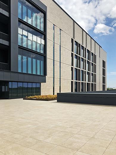 The square and the open space EFA studio di architettura _ Photo