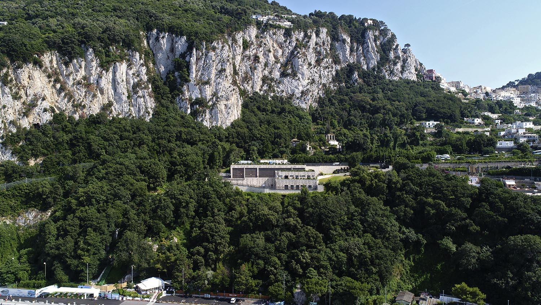 La centrale elettrica di Terna sul monte San Michele a Capri Enrico Cano