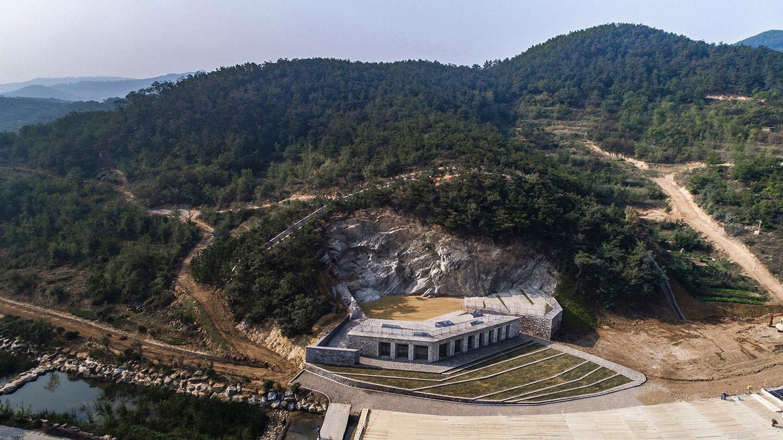 Bird's eye view of architecture JIn Weiqi