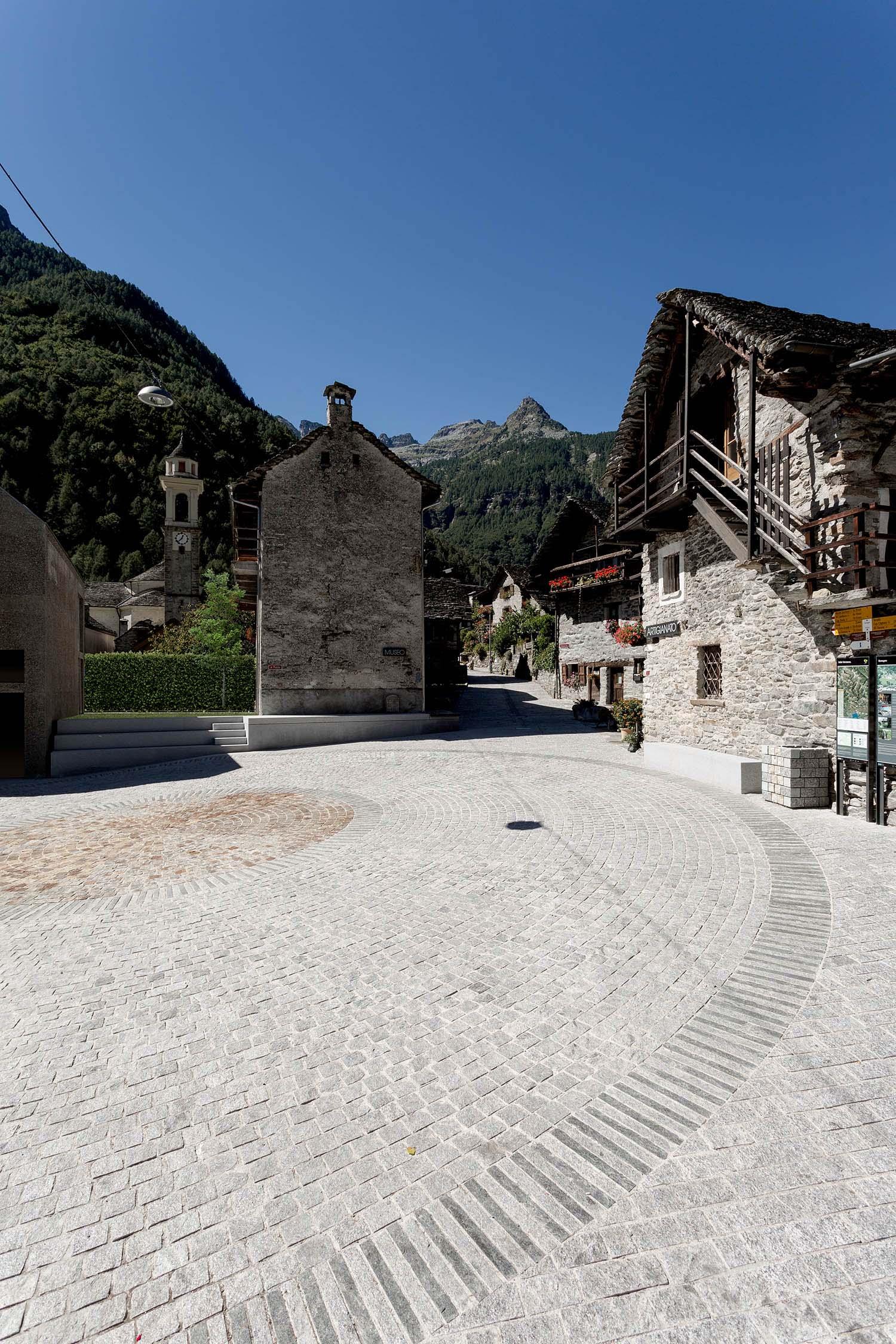 View of the main square Alberto Canepa