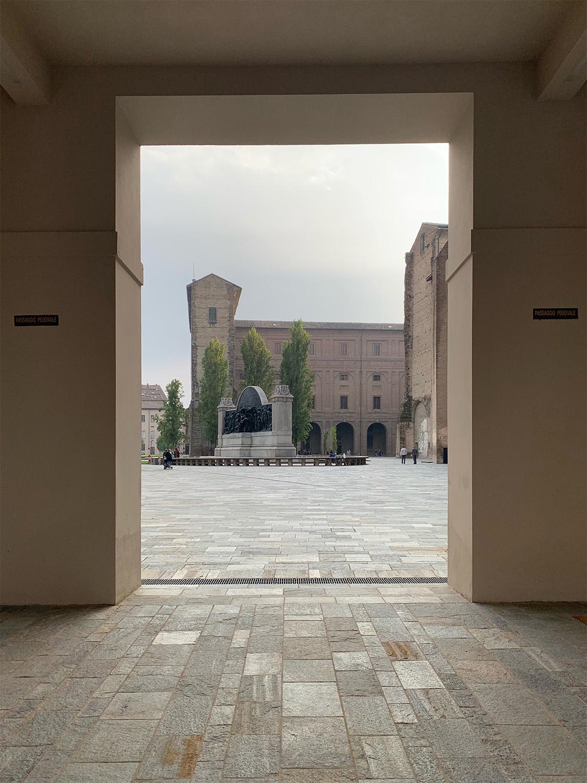 Il nuovo ingresso nord di Piazza della Pace Emilio Faroldi. photographer