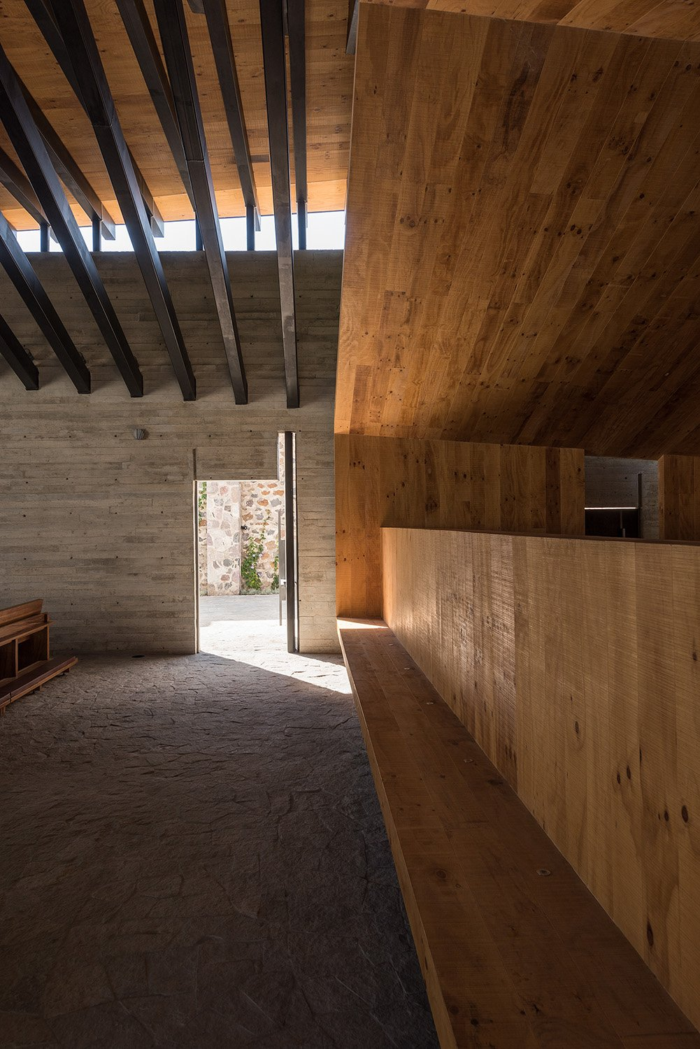 All the wooden elements were fabricated by the studio's workshop. Jaime Navarro Soto