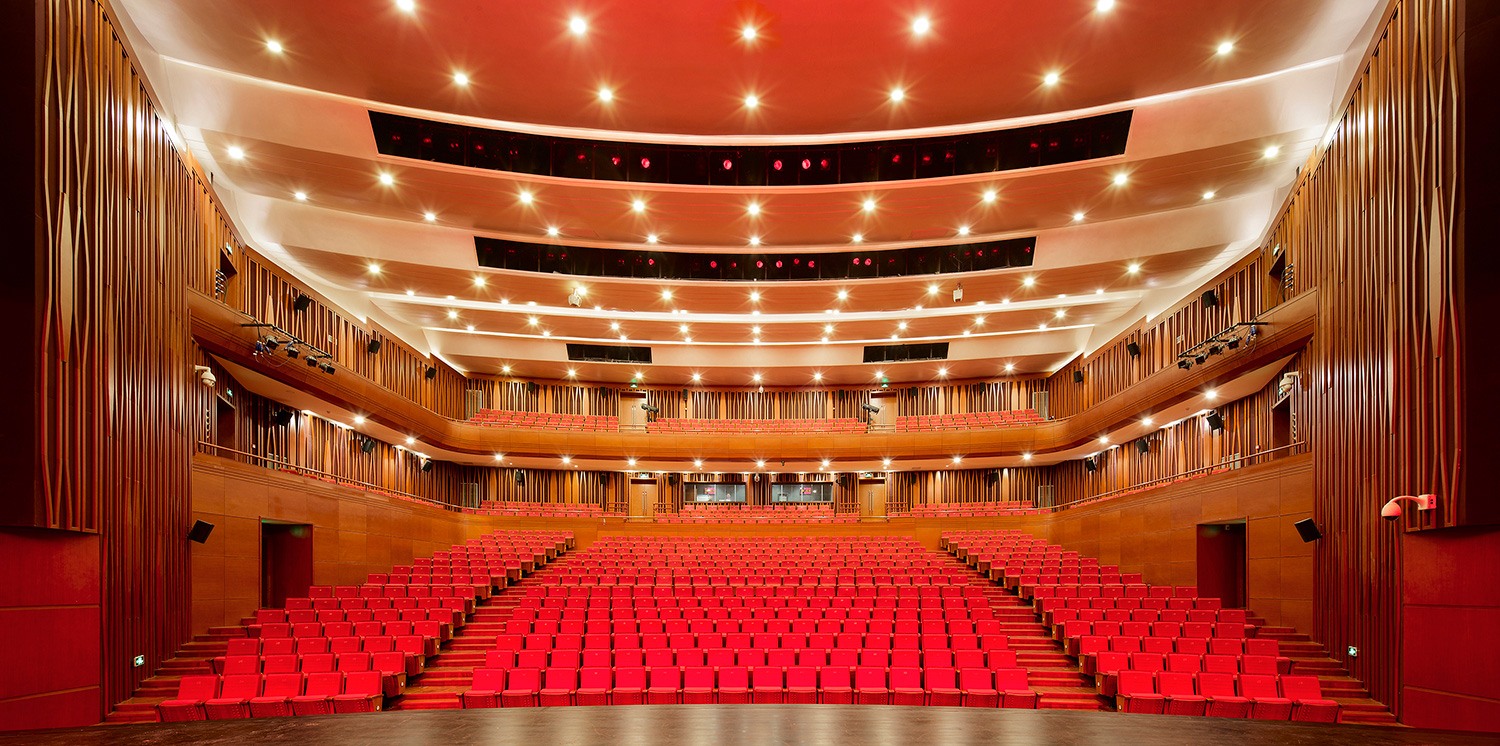 Viewing the auditorium from the stage © Zhao Qiang