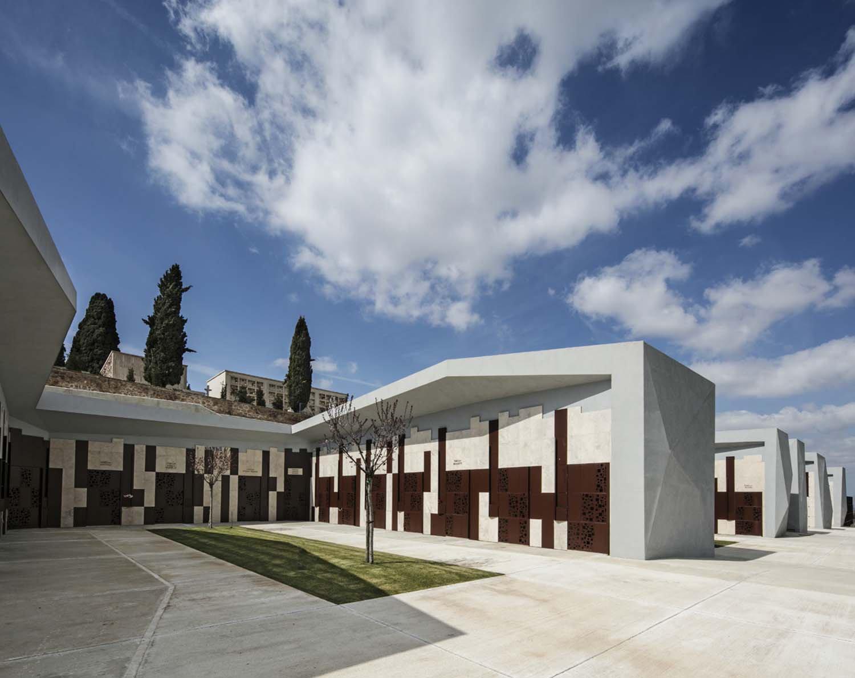 Area cappelle -  visione della sequenza delle corti centrali tra i bracci delle cappelle Luigi Filetici