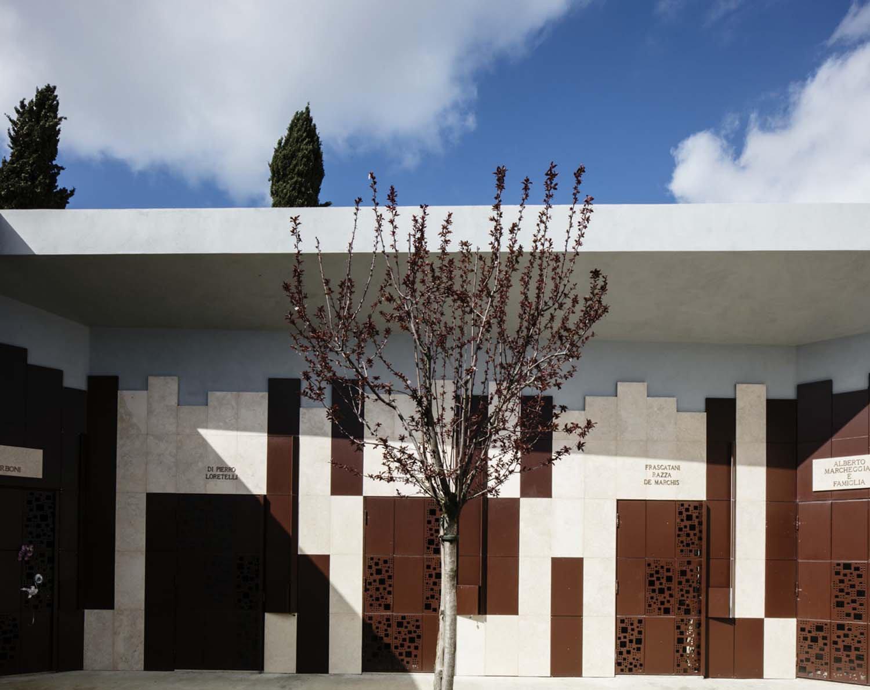 Area cappelle - dettaglio parete Luigi Filetici