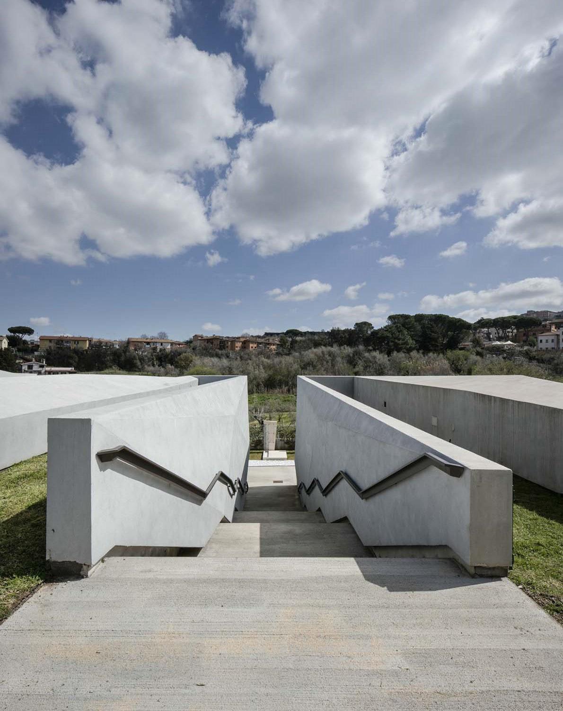 complesso cimiteriale - dettaglio scalinata Luigi Filetici