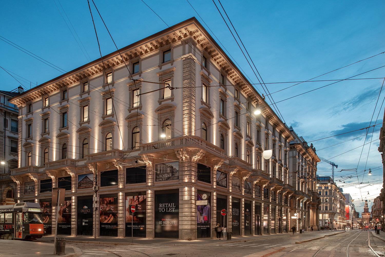 Viste notturne del complesso con illuminazione esterna a led Foto Giacomo Albo