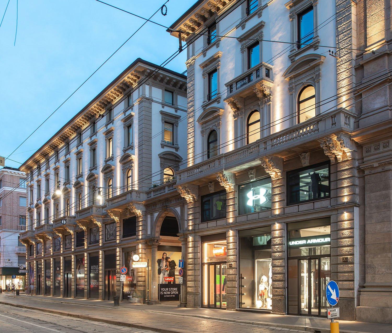 Viste serali del complesso con illuminazione esterna a led Foto Giacomo Albo