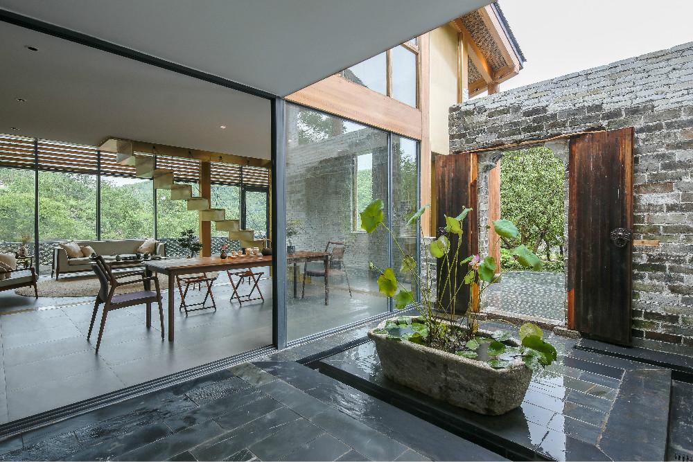Inner courtyard ©Schran Images
