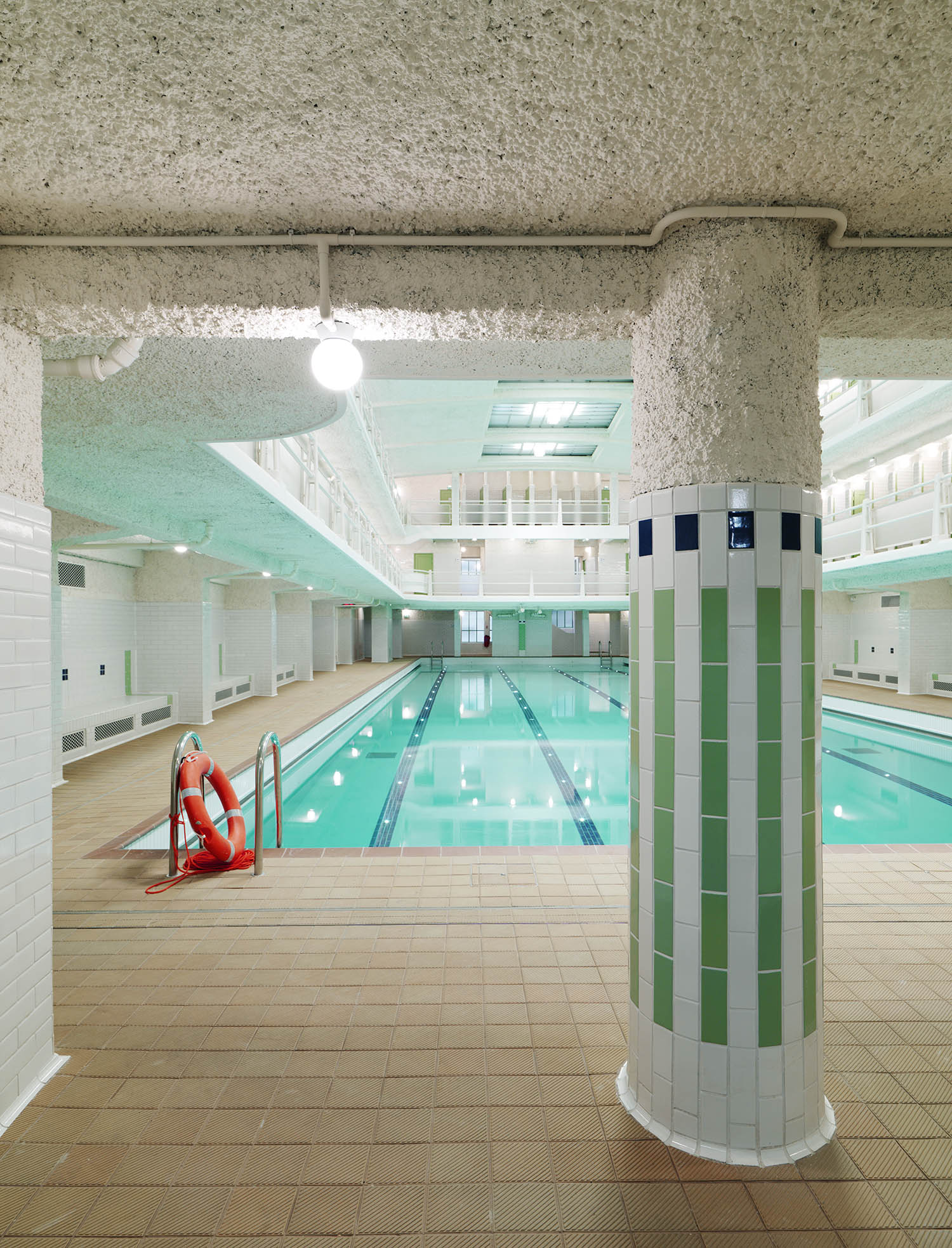 The Amiraux swimming pool after the renovation campaign, 2017 Cyrille Weiner