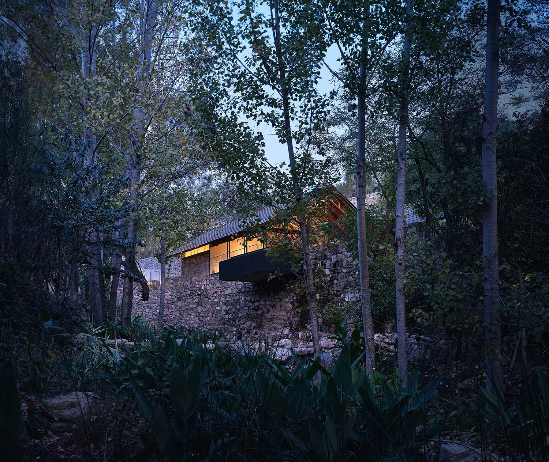 restaurant hidden in nature landscape zystudio