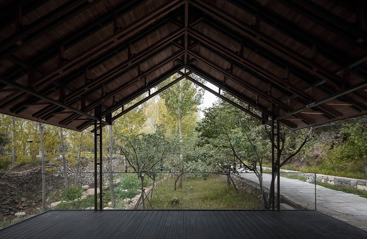 large scale sloping roof Xiaowen Jin