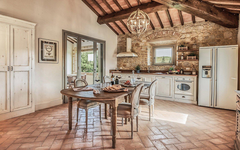 Vista cucina-pranzo Appartamento B Piano primo @Toscana Resort Castelfalfi