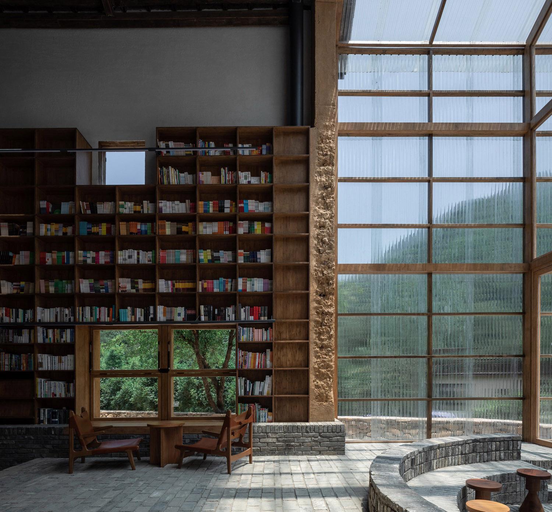 View of lobby Shengliang Su