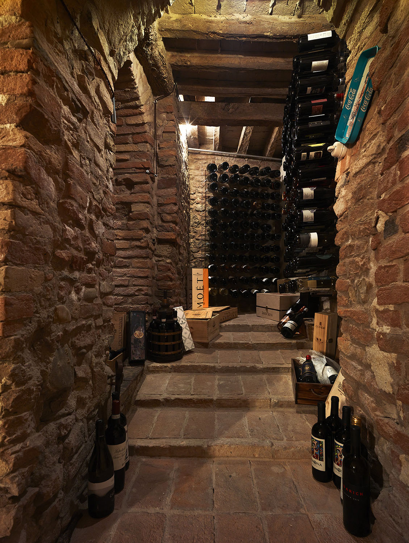 The wine cellar Pietro Savorelli