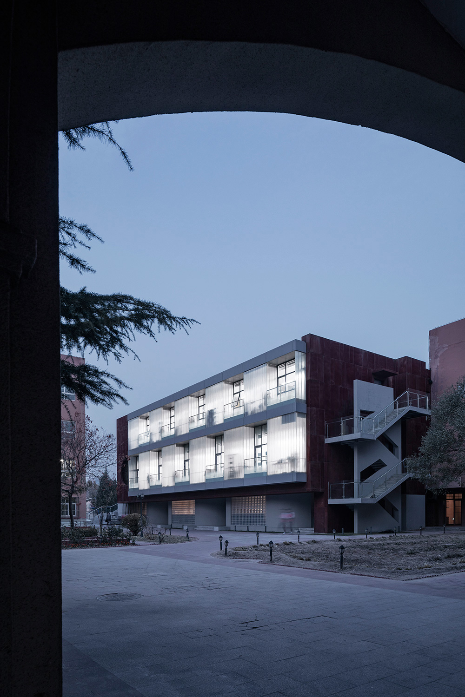 International department of Beijing private JunYi middle school Jin Weiqi