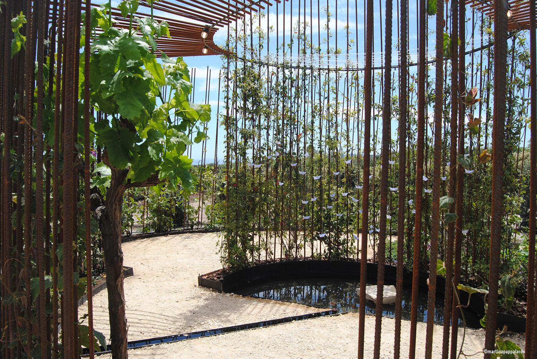 Interno di Come back to Itaca: vista sul centro del giardino Martina Pappalardo