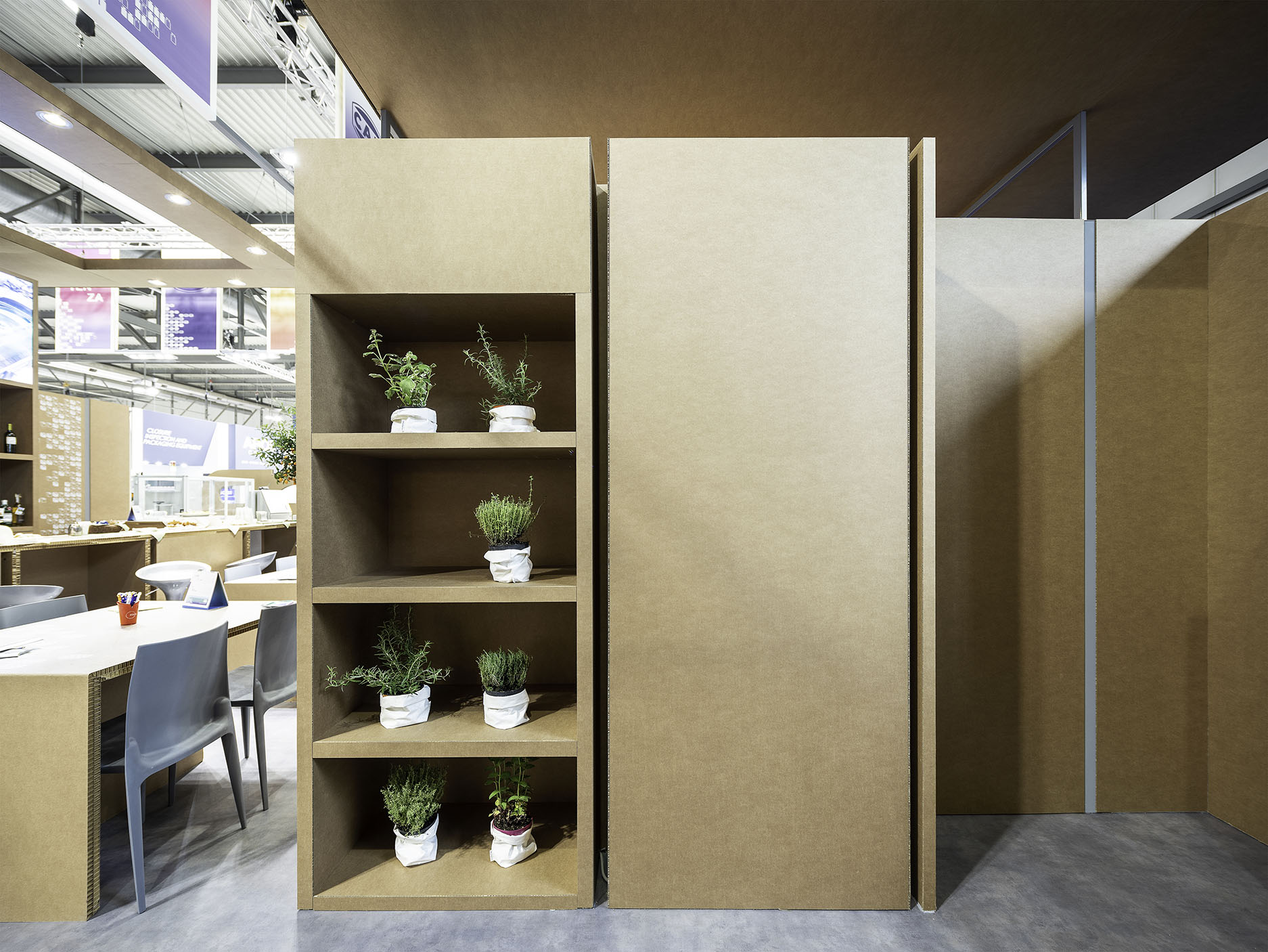 Detail _Modular Shelves - Cardboard Bearing Walls filippo poli