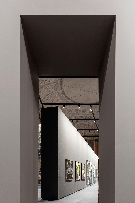 Il portale di connessione tra le due sale Marco Cappelletti