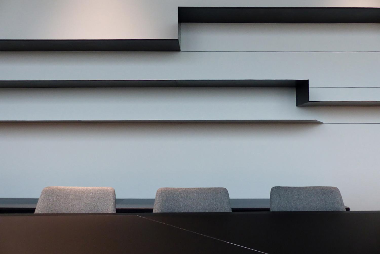 Dettaglio libreria boardroom Daniele Nicoletti