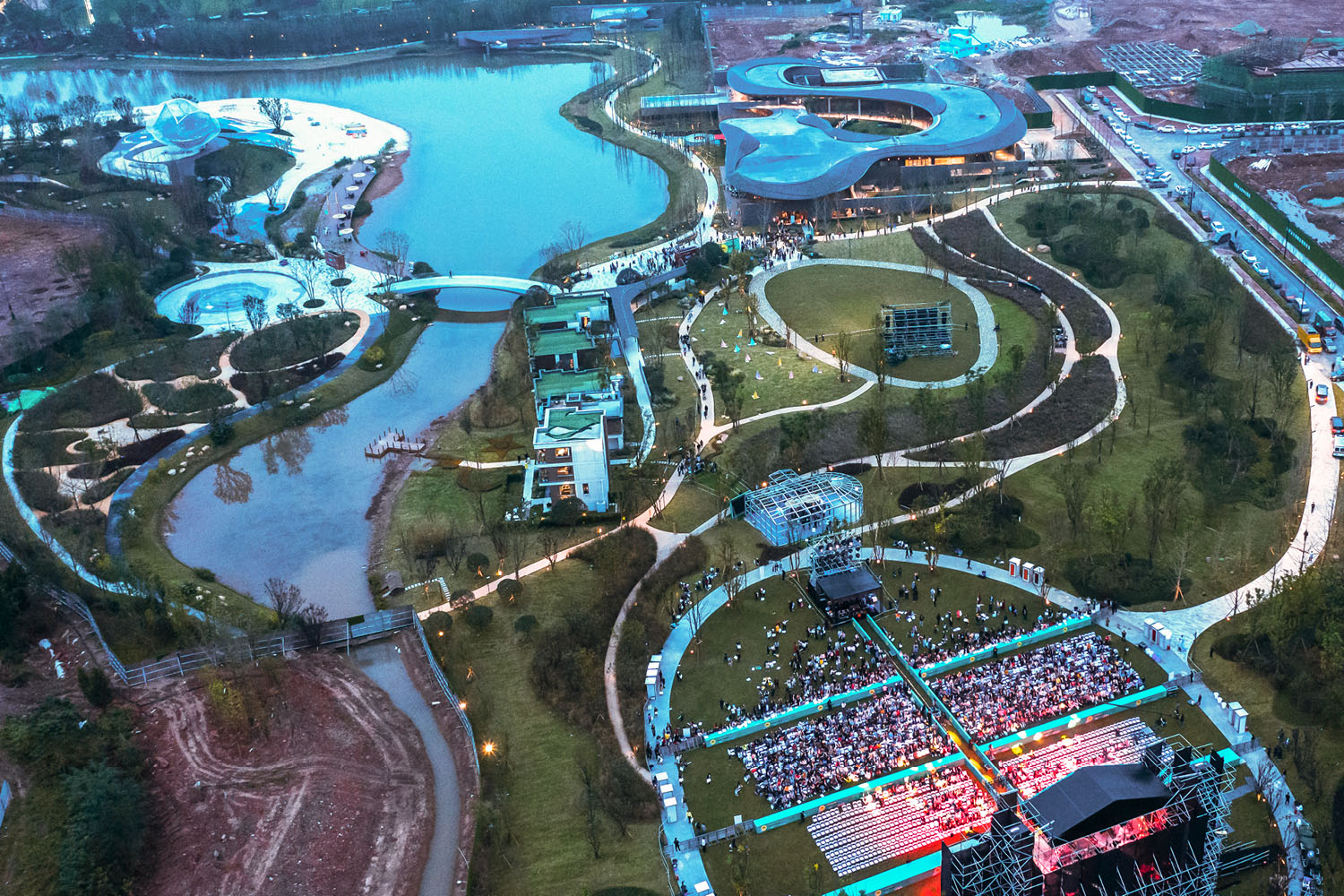 A LEISURE PARK FOR COMMUNITIES: Upon its opening in the fall, 2019, Tianfu City has become a magnet for community events such as music festivals. SASAKI