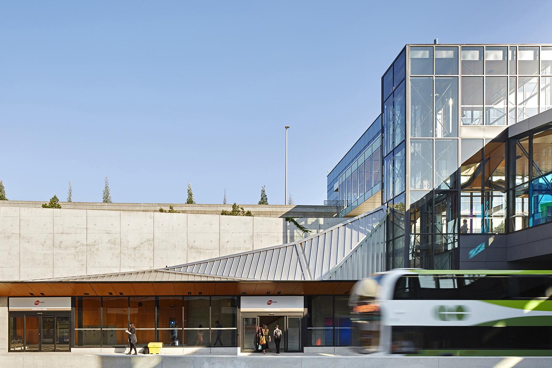 Mississauga Transitway_Detail Ben Rahn/A-Frame Inc.}