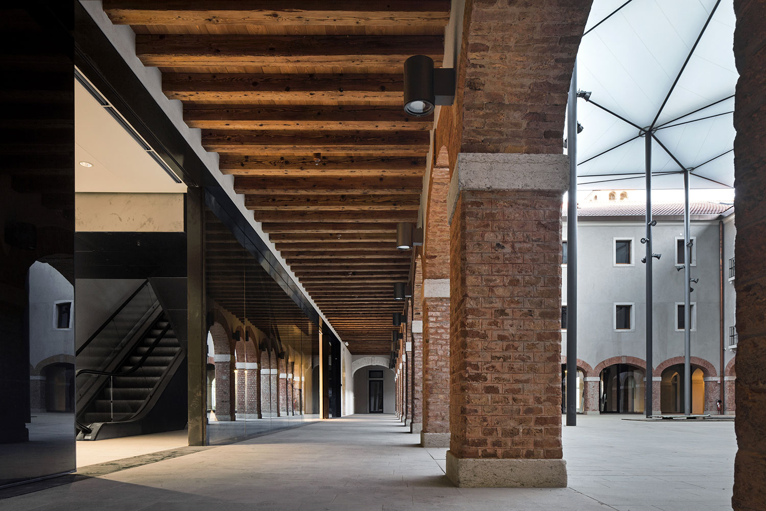 the listed convent offers new urban space and links paths Alessandra Chemollo