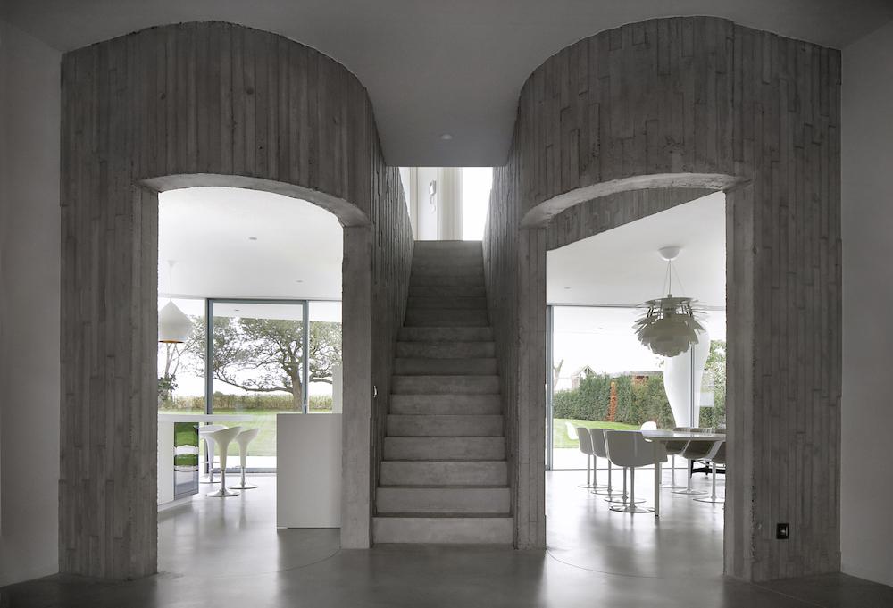 Interior Entrance with circulation Filip Dujardin