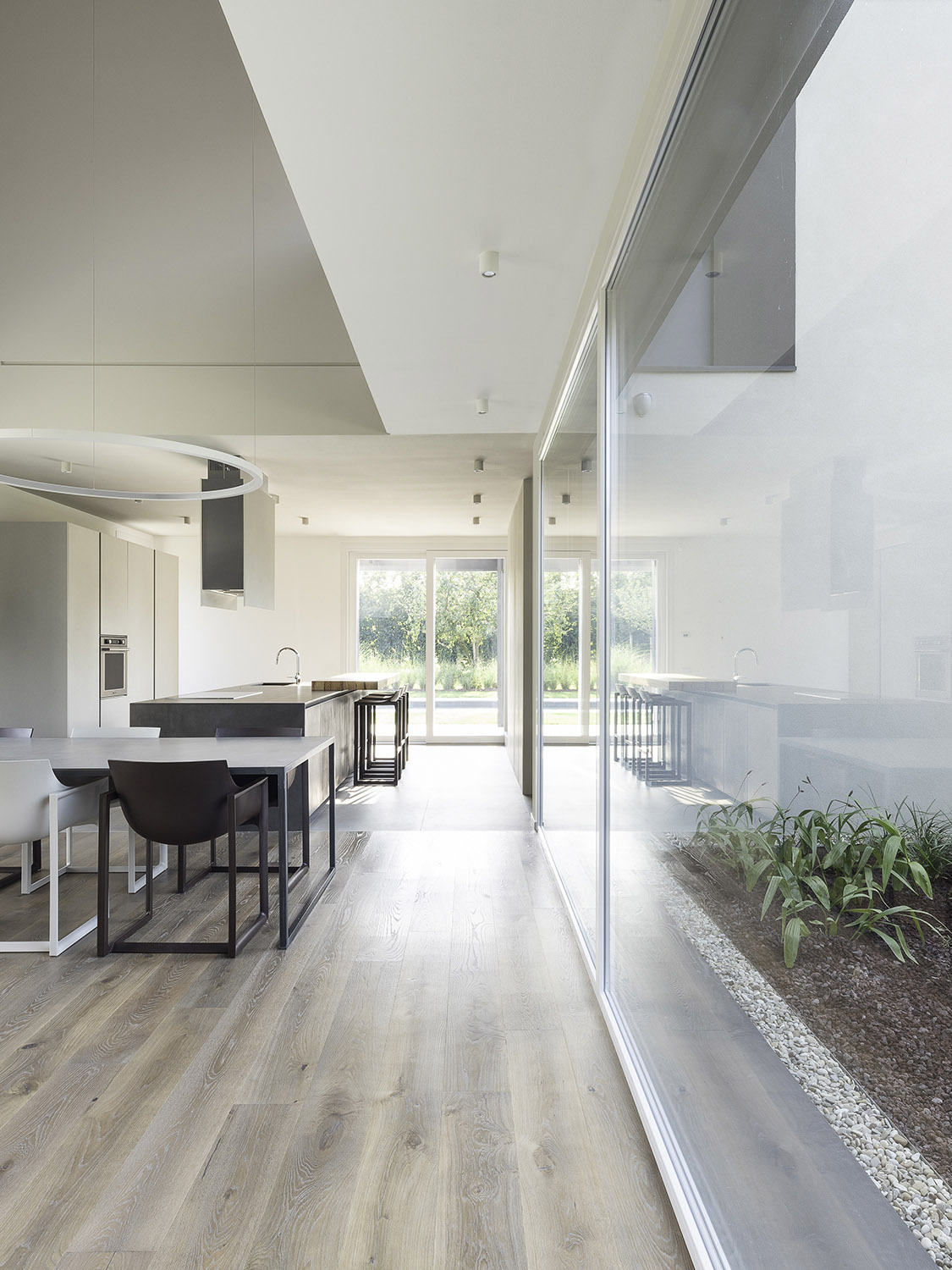 Indoor path - North: Diaphragm towards the swimming pool Filippo Poli Photography