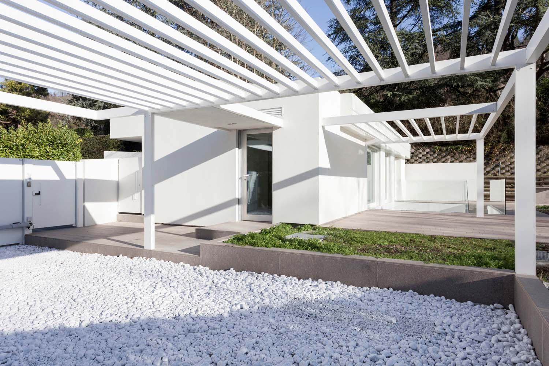 il patio di ingresso e di soggiorno all'aperto leonardo gentili