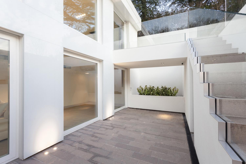 il patio interrato e il contatto con il giardino leonardo gentili