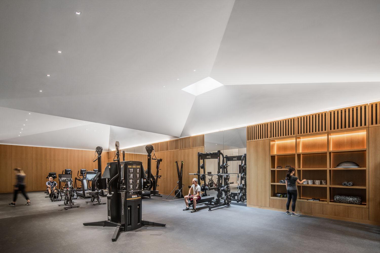 Gym (c) Jason O'Rear