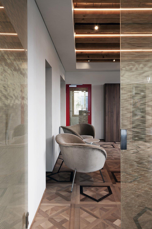 Wooden floor and glass details Andrea Martiradonna}