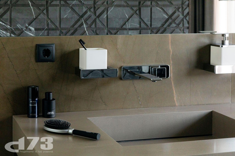 Details of the elegant toilet. Louisa Chalatashvili