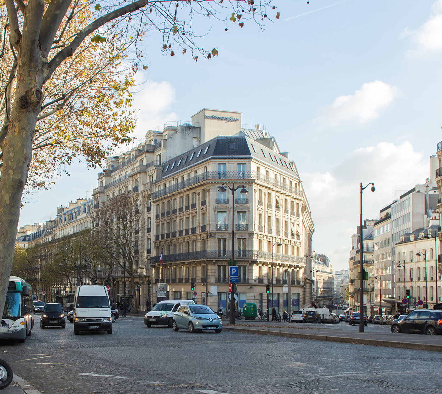 175 Haussmann before its restructuring, from the front view. ©PCA-STREAM}