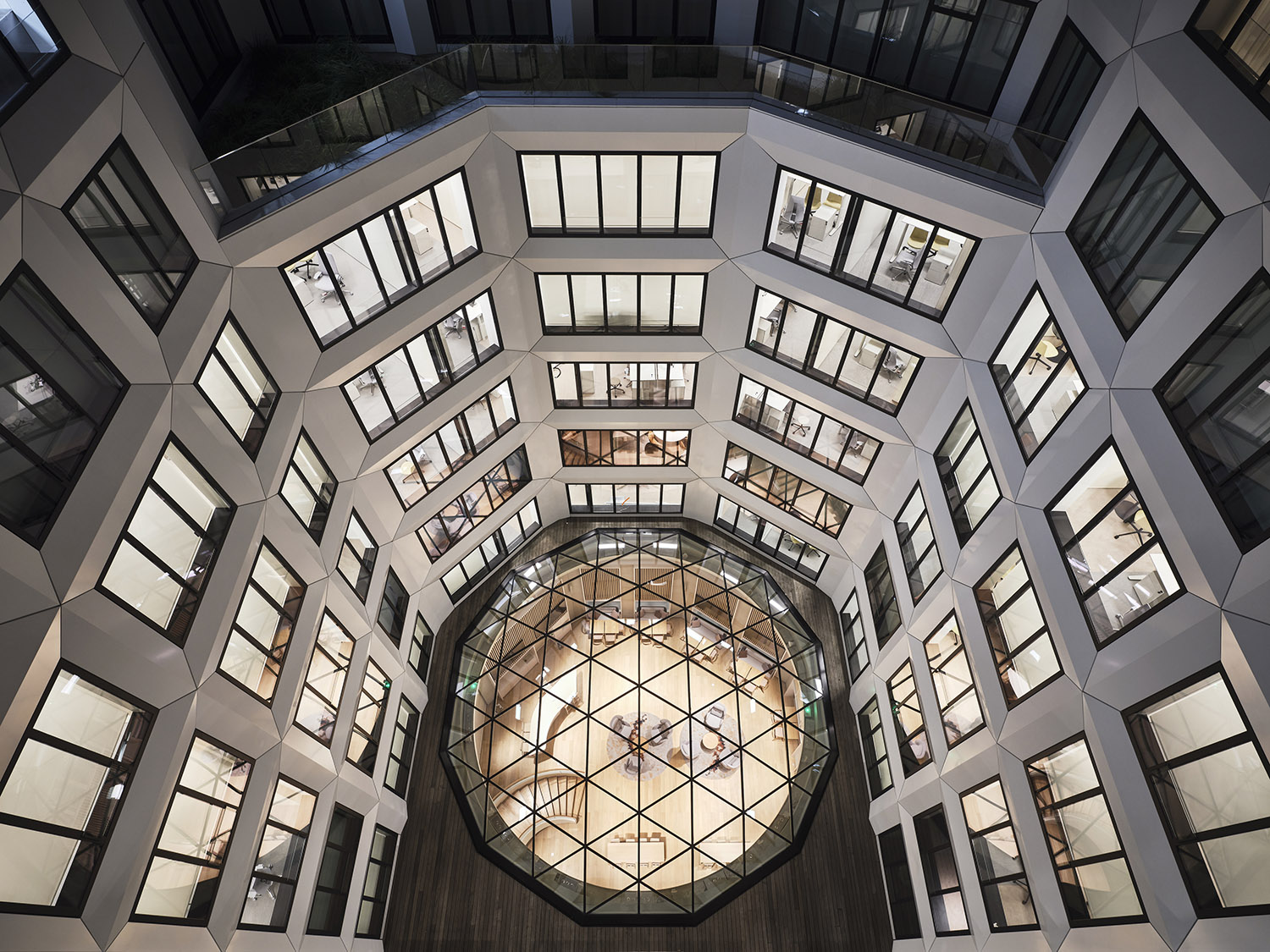 """175 Haussmann innovates to foster """"collective intelligence"""" as a key response to the changes in the way we work. ©JEAN-PHILIPPE MESGUEN FOR PCA-STREAM"""