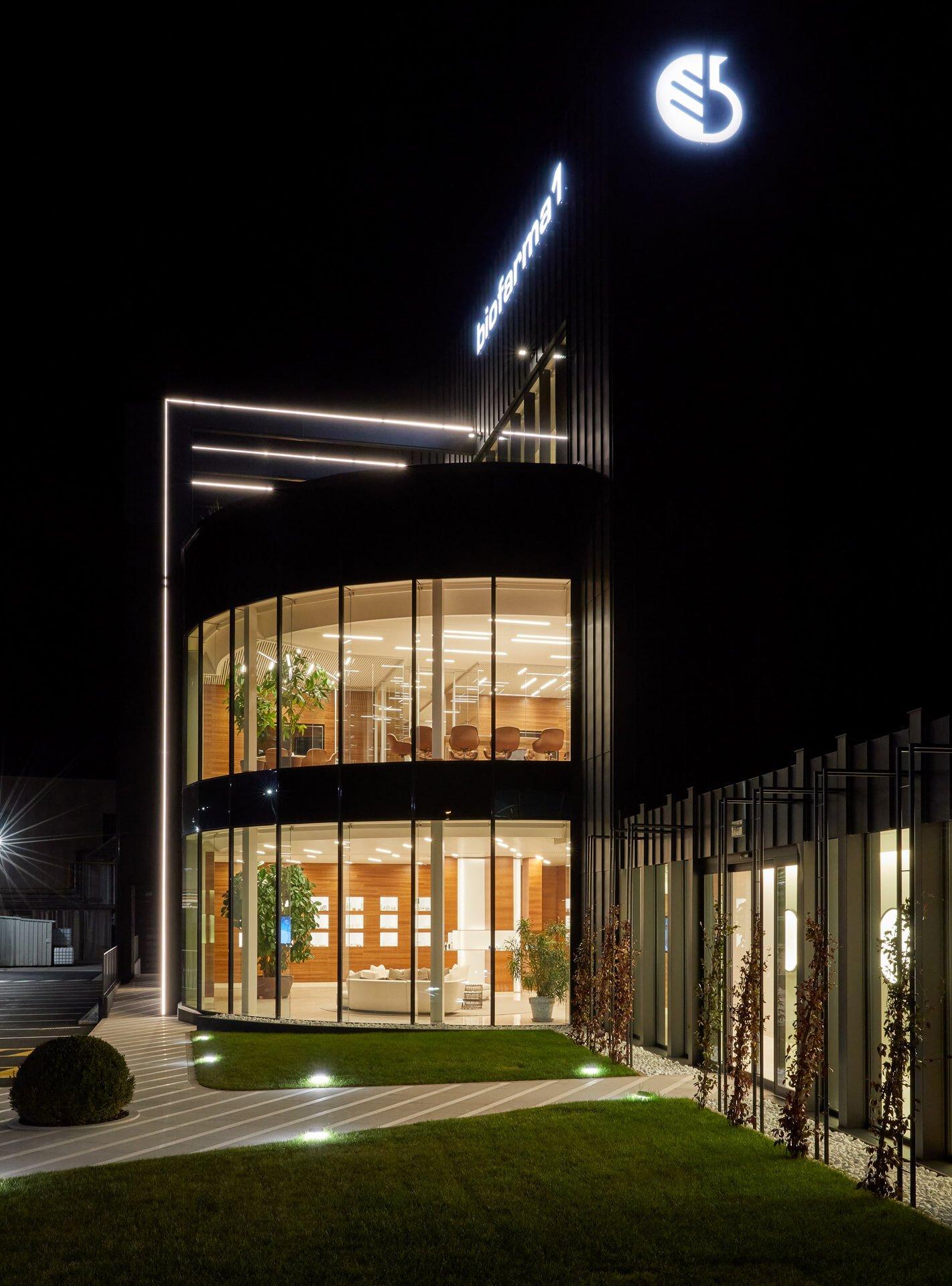 ak engineering - biofarma 1 - parete vetrata Sonia De Boni